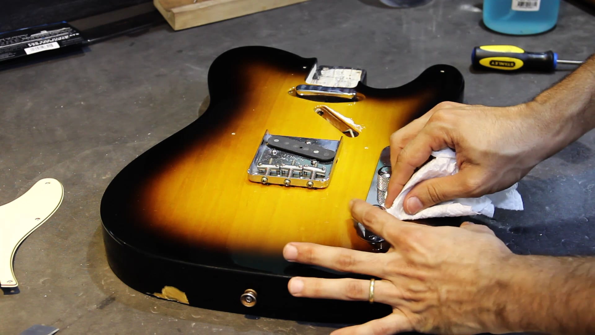 Manutenção para Guitarra Telecaster - Limpeza de Parte Elétrica - Parte 2
